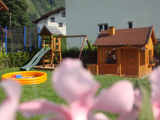 Unser Spielplatz für die Kids